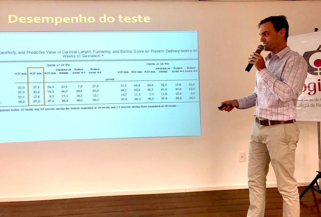 Dr. Gustavo Steibe