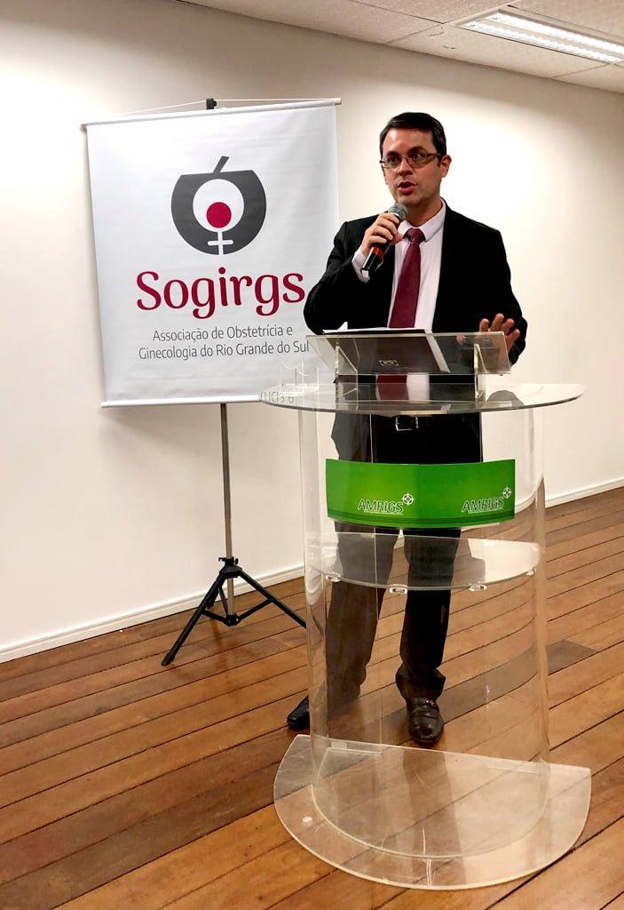 Dr. Rodrigo Bernardes Cardoso